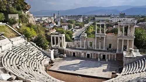 Обсъждат възможностите за инвестиции в културния туризъм